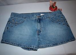 Levi's Shorts Eyelet Style Sexy Jeans Size 11 Vintage  - $17.77
