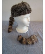 Coon Skin Cap Hat Davy Crocket Raccoon Real Tail Size M & Keychain - $19.83