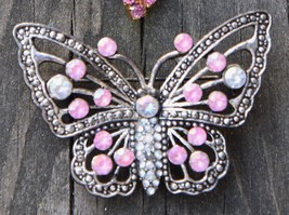 VINTAGE RHINESTONE BROOCH PALE PINK BUTTERFLY SIVER TONE METAL FAUX MARC... - $19.99