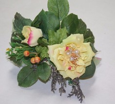 Prom, Wedding Accessories, Yellow Flowers Corsage, Prom Wristlet, Roses ... - $9.99