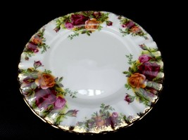 Royal Albert Old Country Roses Dinner Plate  Fine English Bone China - $14.65