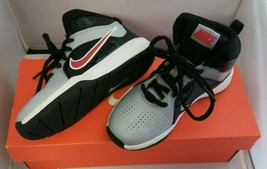 NIKE TEAM HUSTLE D 6 (PS) YOUTH BOYS BASKETBALL SHOES 599188 003 Size 13... - $34.64