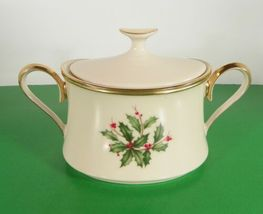 Lenox Dimension HOLIDAY Creamer and Sugar Bowl with Lid Holly Berry image 3