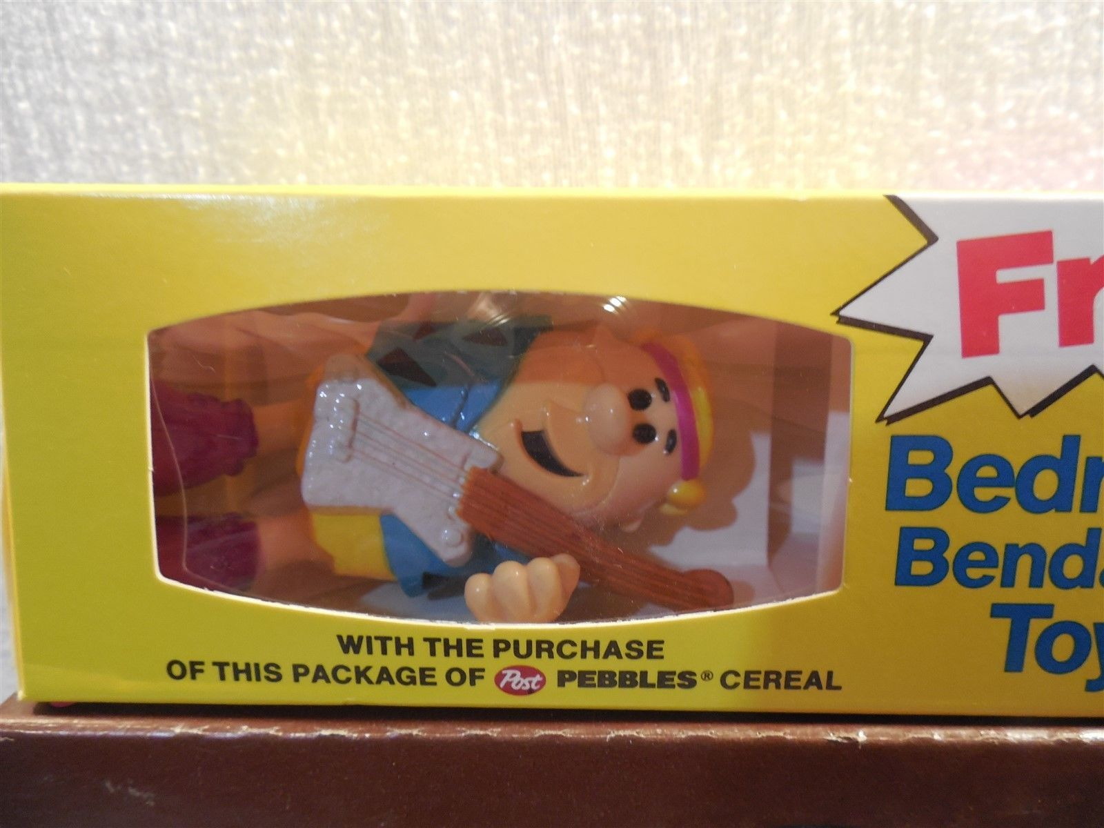 Flintstones 1991 Post Cocoa Pebbles Cereal Box Bedrock Bendable Band Toy Barney