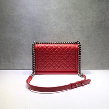 AUTHENTIC CHANEL RED QUILTED LAMBSKIN NEW MEDIUM BOY FLAP BAG RHW image 6