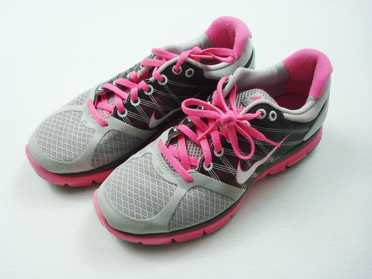 huge discount 51762 82041 Nike Running Shoes Womens 8 OR 6.5 Youth Lunarglide Gray Pink Trim Trainers