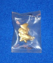 ***BRAND NEW*** AWESOME ALLIGATOR WITH A TOP HAT & BOW TIE PIN *FACTORY ... - $4.99
