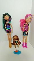 Monster High lot 2 dolls 1 vinyl figure Cleo De nile Creeperteria Howleen Wolf - $22.27