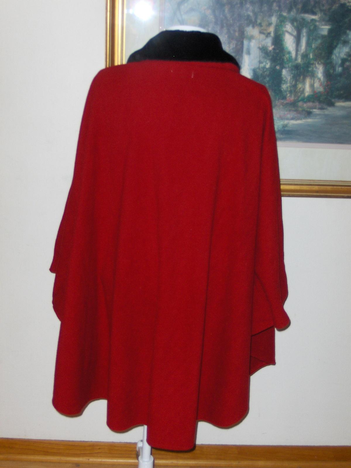 Le Moda Red Cape Poncho Rosette Trim Pockets One Size 4817-417