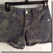 American Eagle Gray Corduroy Shorts 6 - $11.65