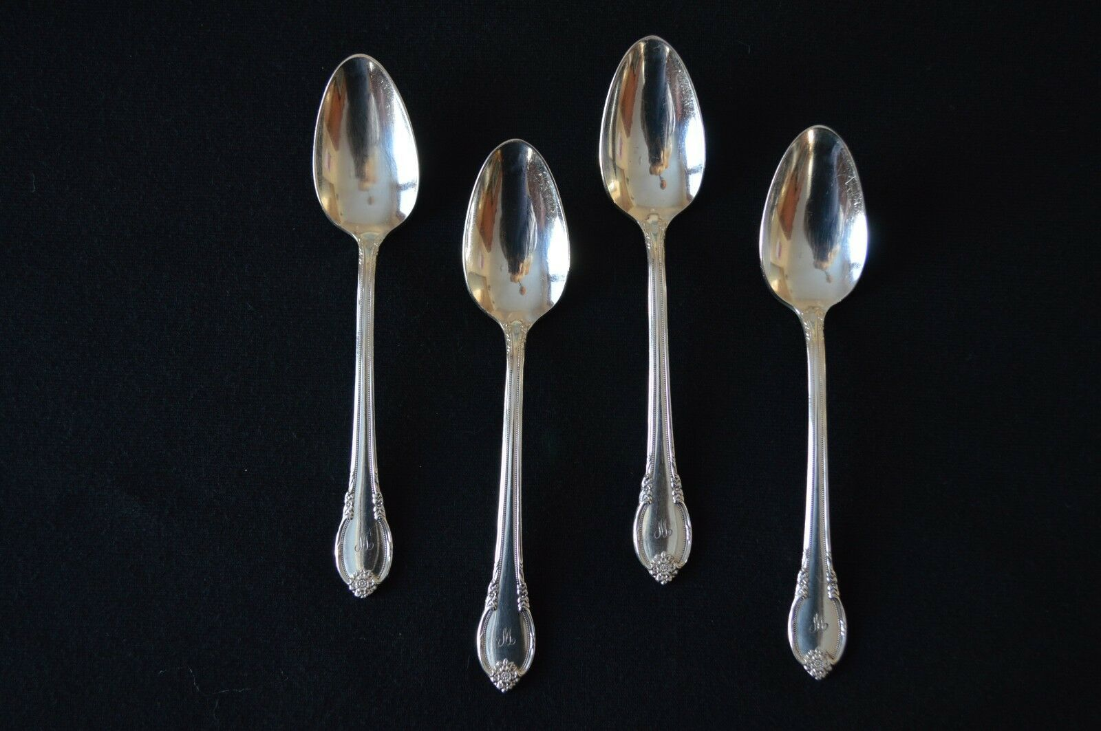 Primary image for 1847 Rogers Bros Remembrance 1948 Set of 4 Teaspoons Mono W