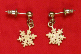 Avon SNOW FLAKE Dangle Earrings Rhinestone Nickel Free Pierced Studs - $13.83