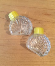 Vintage 50s glass Scallop Shell salt and pepper shaker set image 4