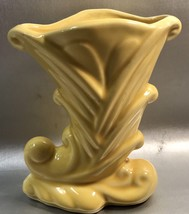 Shawnee Pottery Yellow Cornucopia Vase #835 Made In USA  Vintage 1960's ... - $14.94