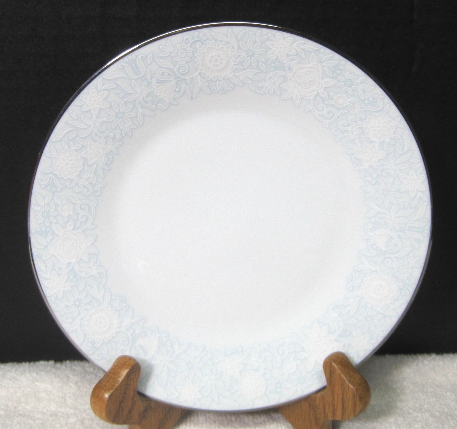 Primary image for Noritake Ravel #2213 1972-1982 White Flowers W Blue Bread Butter Cake Plate 1PC