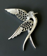 Vintage Signed Sarah Coventry bird brooch pin - $14.84