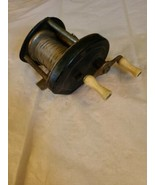 Vintage Unmarked Baitcasting Fishing Reel Made in USA - $2.98