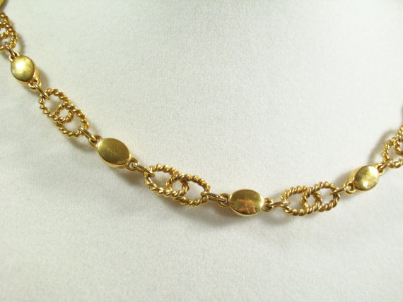 Vintage Crown TRIFARI Gold Plated Choker Necklace Rope Link Chain Shiny Ovals
