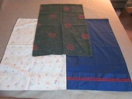3 PC LOT OF PILLOW CASES BLUE FLORAL GREEN NON MATCHING 20X30 - $6.99