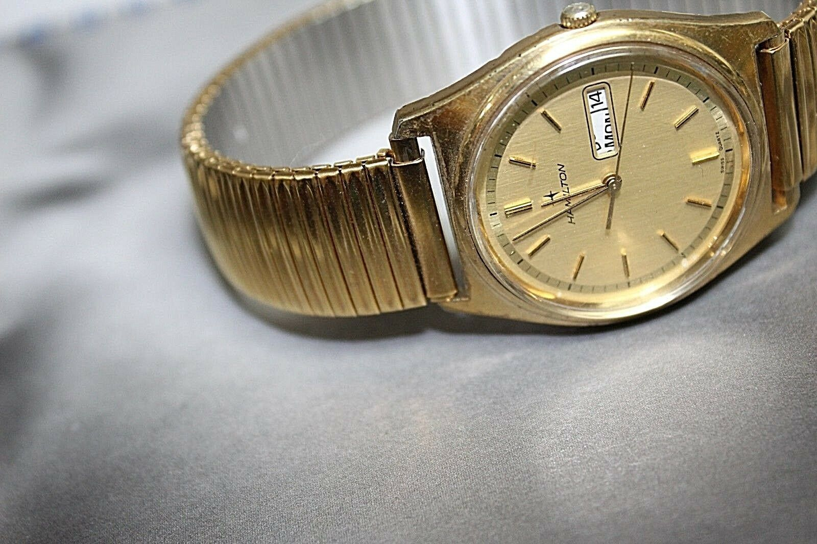 Hamilton quartz vintage day date gold plated nice watch image 2
