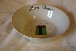 Merry Brite Merry Christmas Green Gifts & Ribbon Soup/Cereal Bowl - $4.15