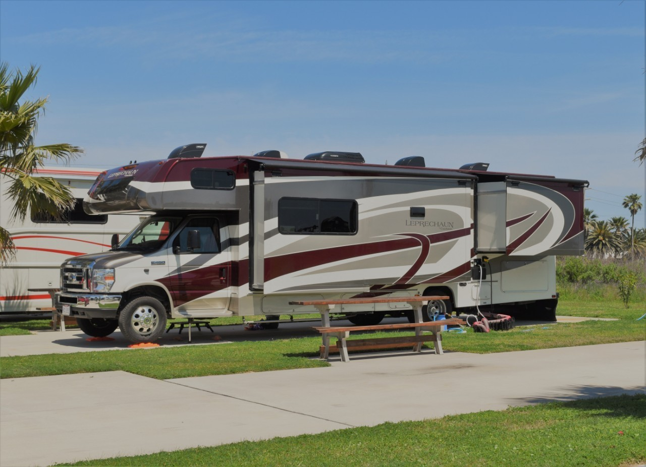 2019 COACHMEN LEPRECHAUN 311FS For Sale In Cincinnati, OH 45247