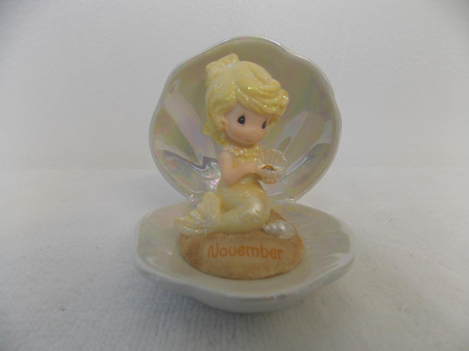 2003 Precious Moments Mermaid of the Month November Figurine