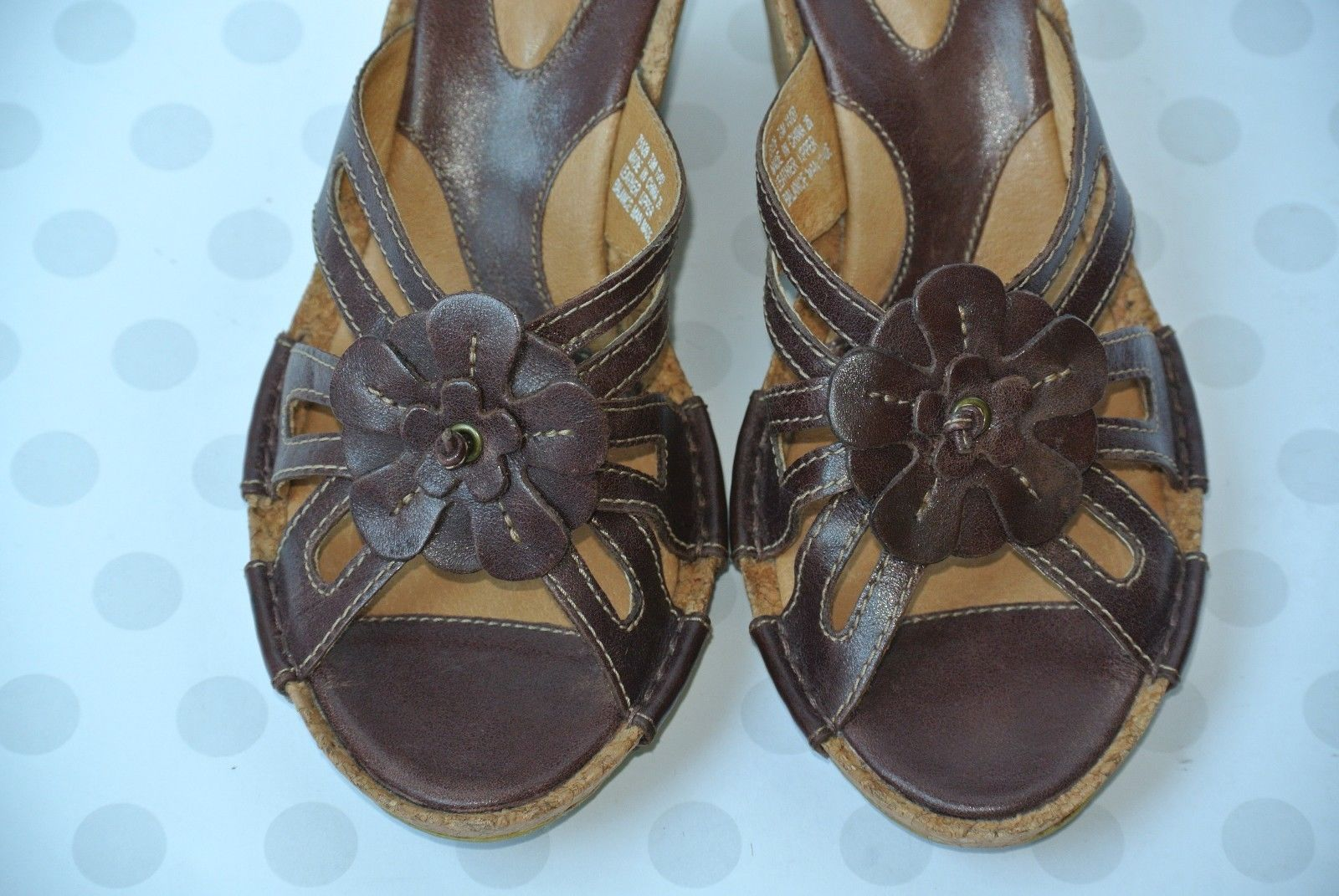 NEW Clarks Artisan Womens Sz 7.5 M Brown Leather Flower Wedge Strappy Sandals