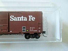 Micro-Trains # 07300560 Atchison, Topeka & Santa Fe 40' Standard Box Car N-Scale image 3