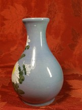 VINTAGE HANDPAINTED WHITE FLOWERS ON BLUE VASE MADE EXCLUSIVELY FOR WOOLWORTH'S image 2