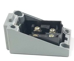 NEW ALLEN BRADLEY LIMIT SWITCH RECEPTACLE BODY UNKNOWN PART NUMBER