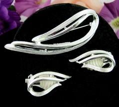 Sarah Coventry Stunning Vintage Pin & Clip On Earrings Set Silvertone Swirls Cov - $18.99