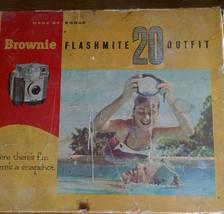 Vintage KODAK Brownie Flashmite 20 Outfit Vintage Snapshot Camera - $49.49