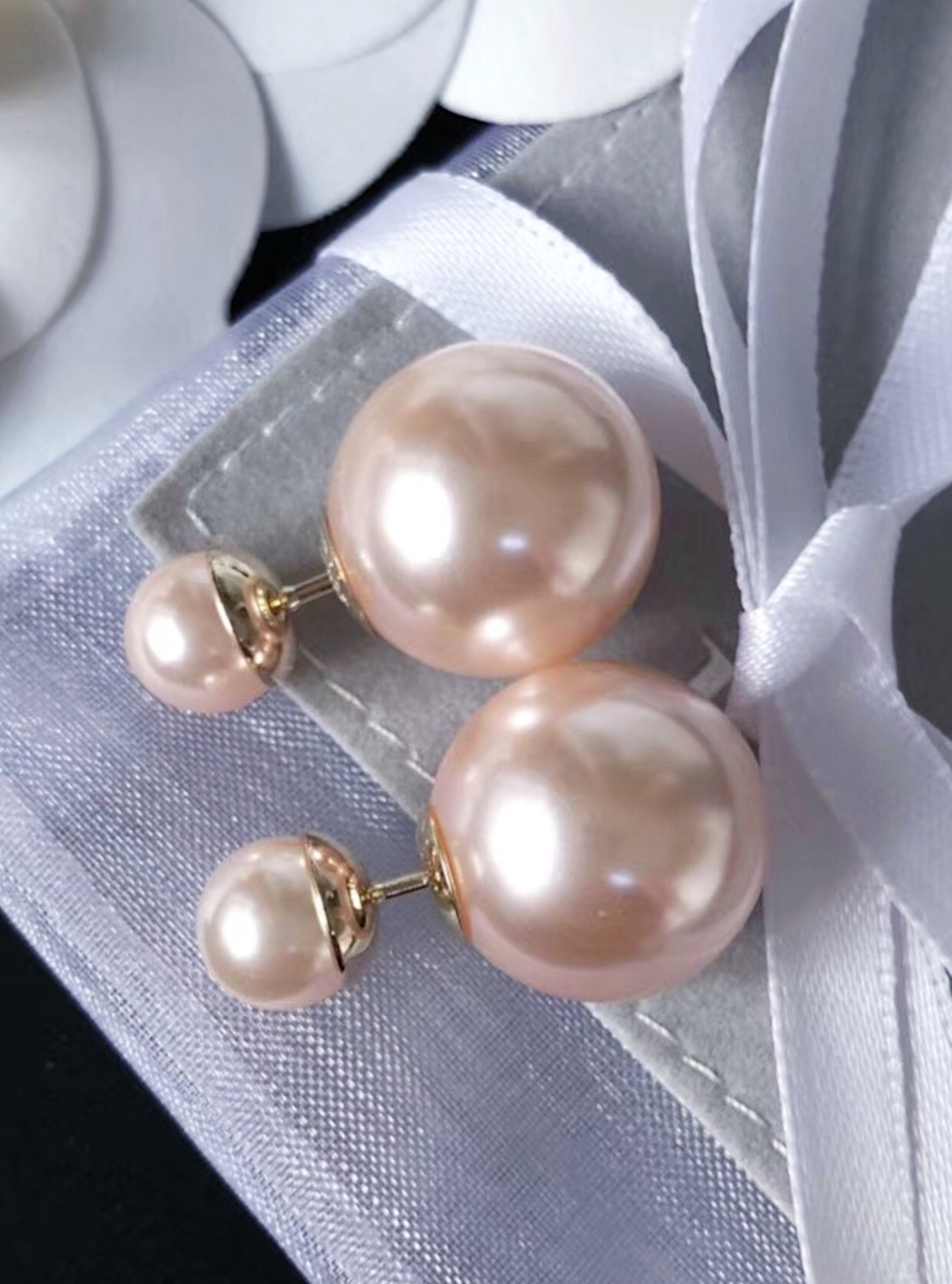 AUTHENTIC Christian Dior Pink Gold Mise En Dior Tribal Pearl Earrings