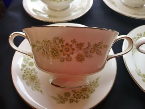Wedgwood Caroline 14 Soup Cups & Saucers Bone China Made in England White Green image 2