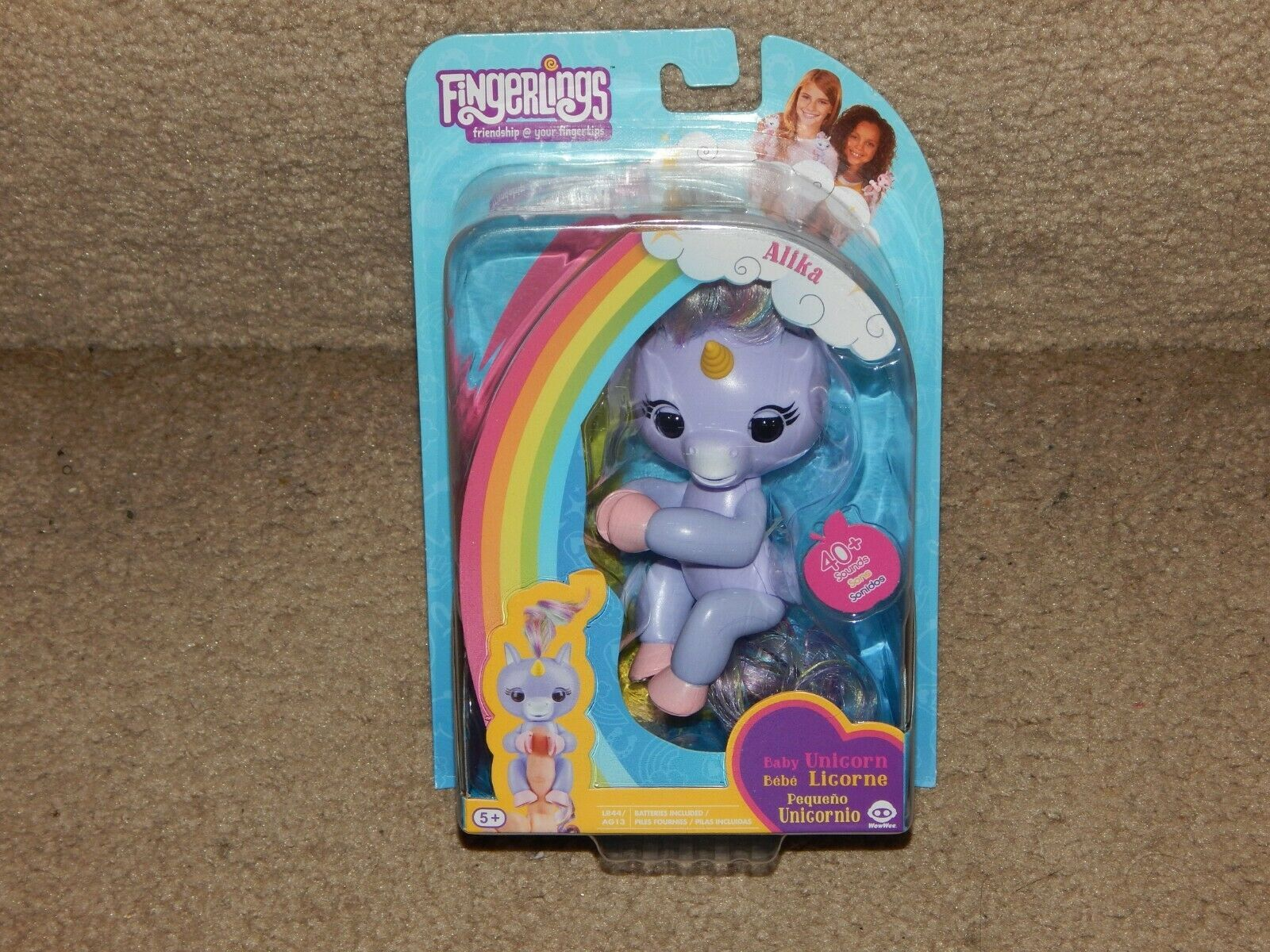 New Fingerlings Alika Bably Unicorn Figure + LR44 Batteries Free Shipping 5+