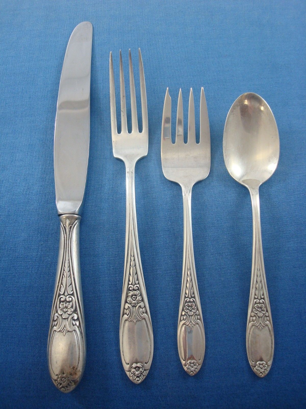 Colonial Rose by Amston Sterling Silver Flatware Set for 8 Service 48 Pieces