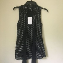DKNY black and white sleeveless Misses TOP BLOUSE. Size; Medium. NWT! - $34.99