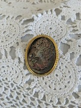 Ladies Gold Tone Cameo Style Pin Brooch - $2.90