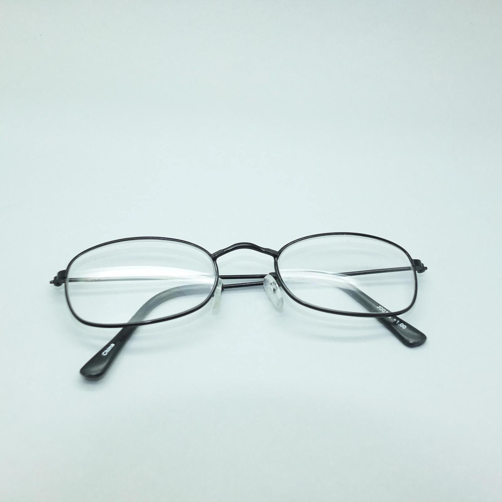 309e4585fea Simple Oval Black Metal Wire Frame Delicate Reading Glasses +1.25 Lens