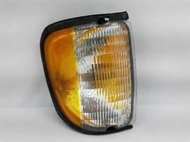 Passenger Corner/Park Light Fits 92-00 FORD E150 VAN 1067 - $44.53