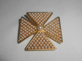 Marvella Pearl Maltese Cross Brooch Pin Vintage Jewelry - $28.50