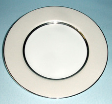 """Royal Doulton Platinum Silk Accent Luncheon Plate 9"""" Champagne Band New - $21.99"""