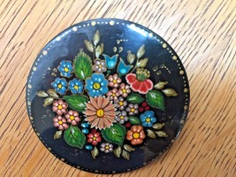 Vintage Russian Lacquer Flowers roses daisy Bird Folk Art Round Pin Broo... - $19.75