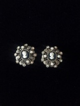 Vintage 60s Hope Chest clip on cameo earrings