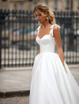 Sleeveless Sweetheart Neckline Back Lacing Simple Princess Bridal Gown with Cour image 3