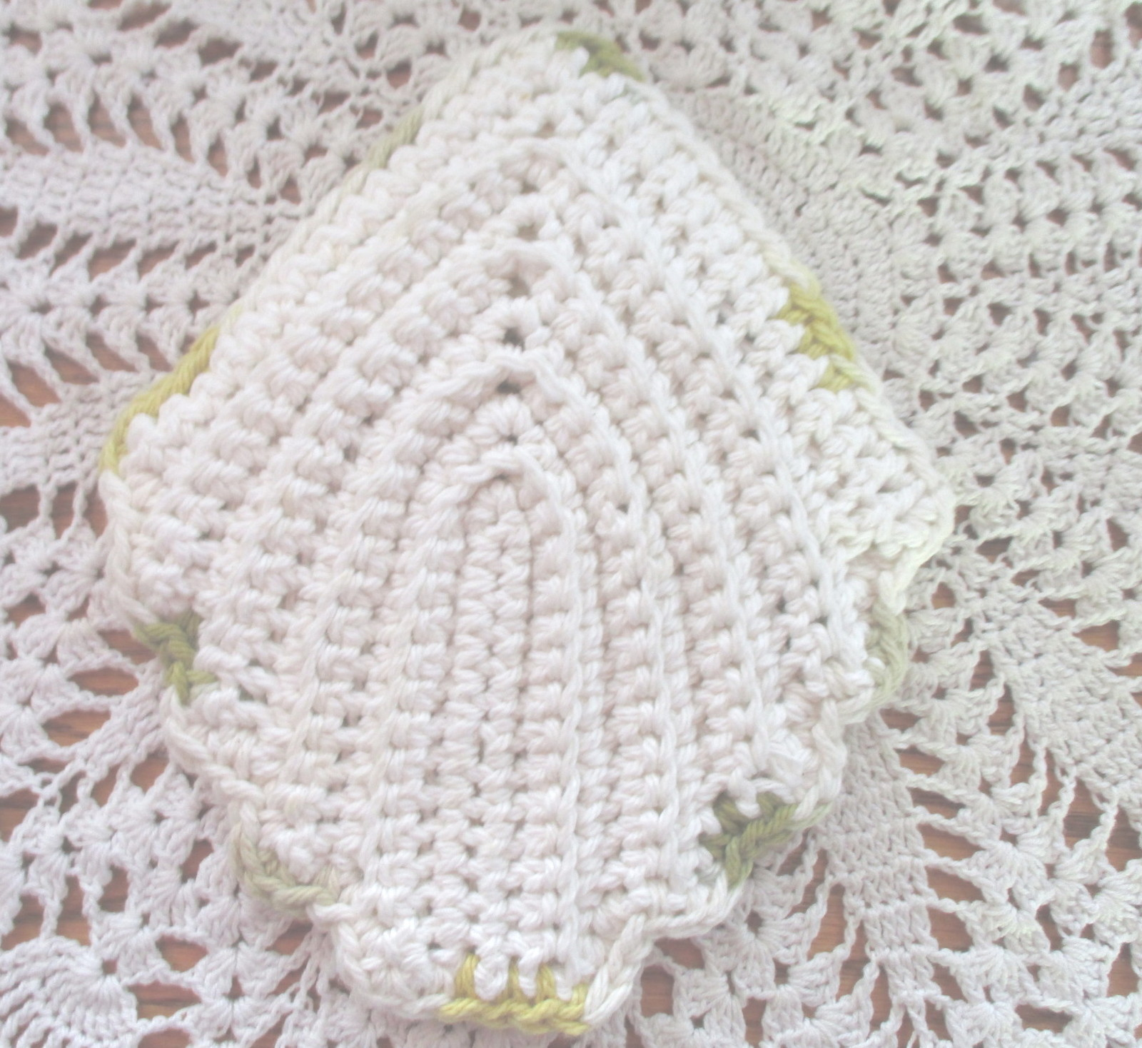 Thick Cotton Leaf Potholder Hot Pad Yellows Greens and White