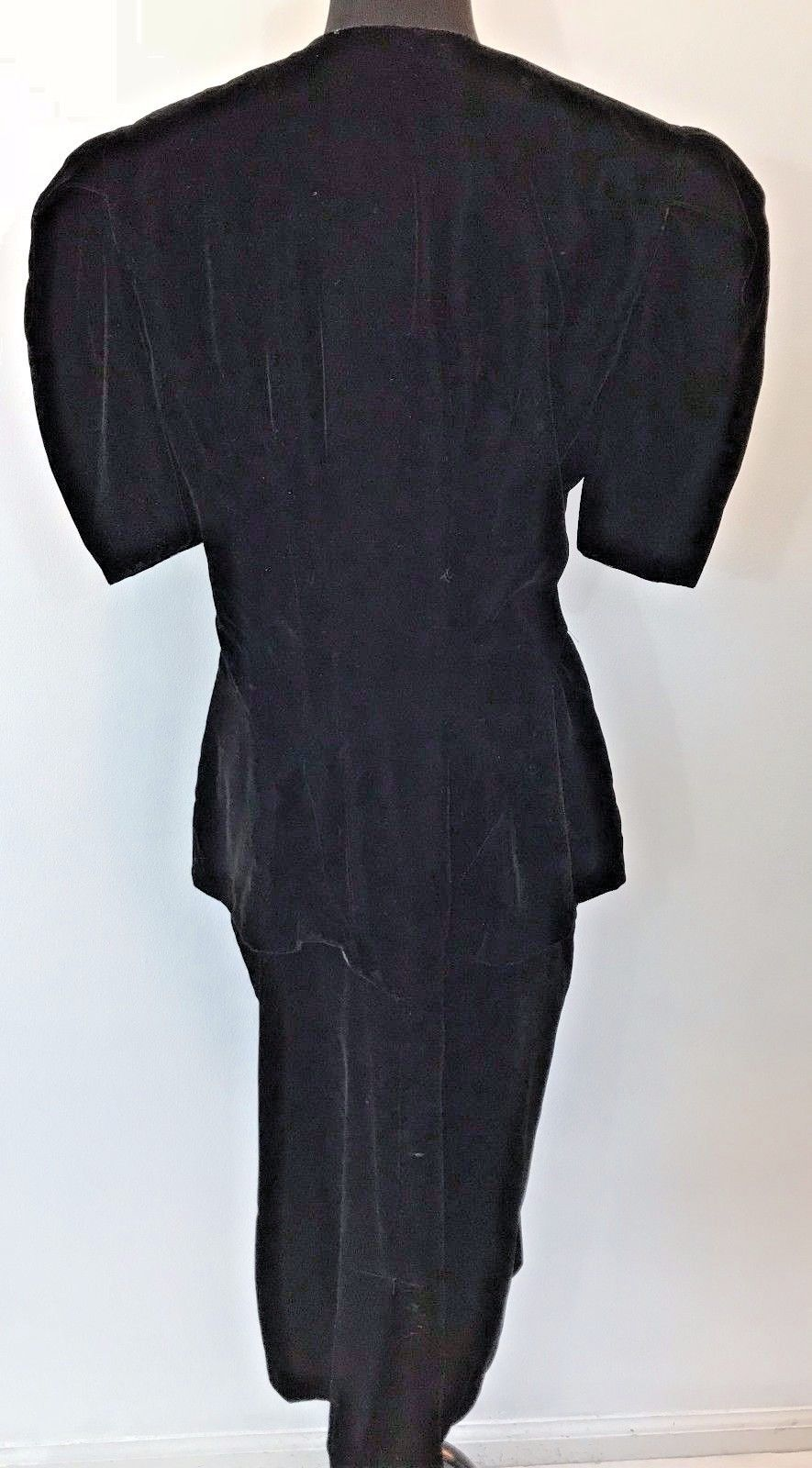 Vintage 1980s REO Originals Black Velvet Peplum Dress size 14 Shoulder Pads DS16