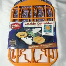 Mrs Fields Cookie Cutters Halloween Pumpkin Ghost Coffin Bake A Treat  - $10.20 CAD