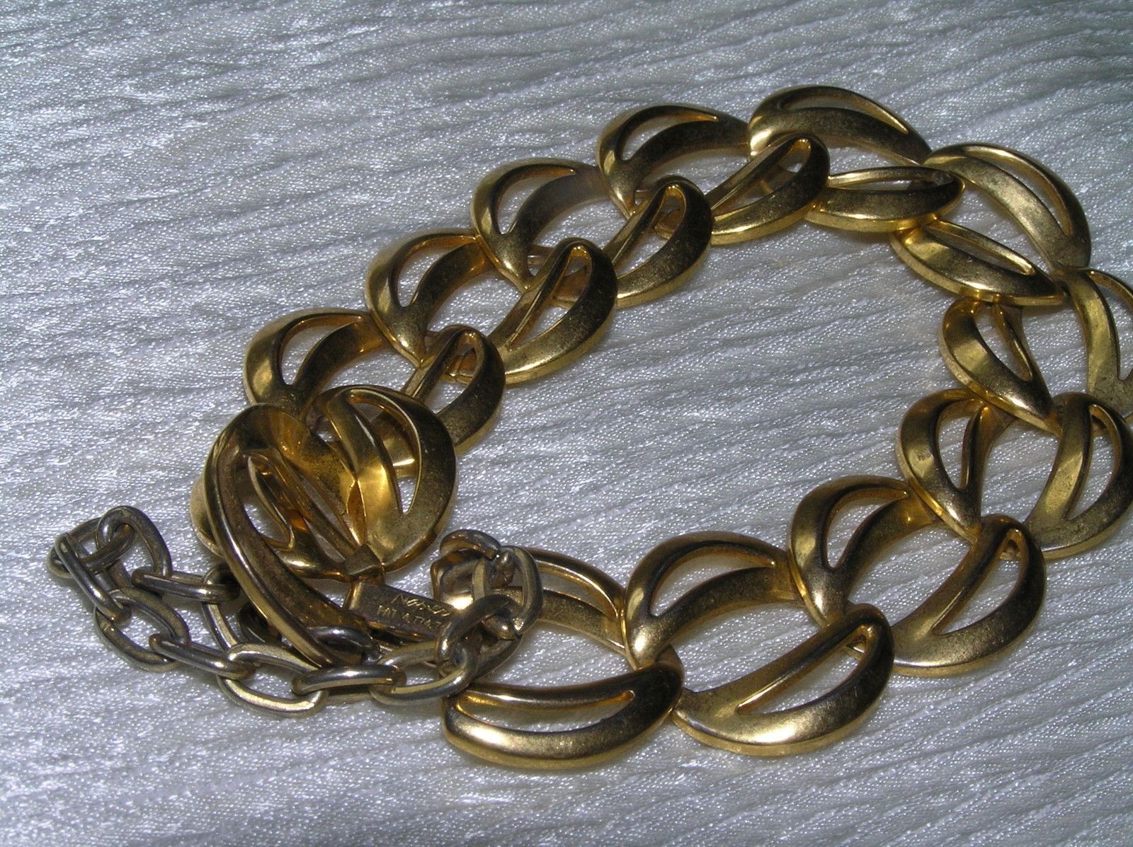 Vintage NAPIER Signed Two Open Goldtone Crescents Link Bracelet w Safety Chain